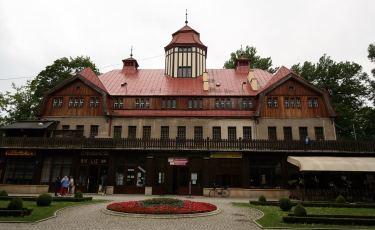 Budynek Łazienek  (Fot. krystian)