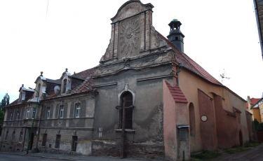 Cerkiew prawosławna i dawny szpital (Fot. krystian)