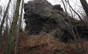 Bazaltowa skała Diablak koło Wilkowa