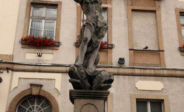 Fontanna z rzeźbą Neptuna (Fot. aga)