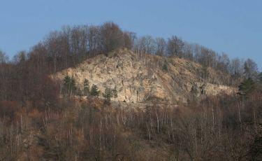 Kamieniołom Gruszka i jego ściany dochodzące do 50 metrów wysokości