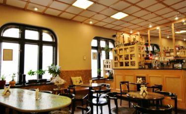 Kawiarnia Biała Lokomotywa (Fot. krystian)
