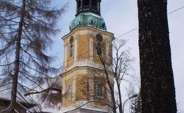Kościół Zbawiciela w Jeleniej Górze - Cieplicach (Fot. TijsB/flickr Licencja: CC BY-SA 2.0)