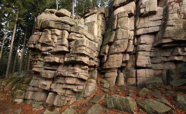 Malinowa - 15 metrowa, pięknie urzeźbiona, granitowa ściana w Rudawach Janowickich