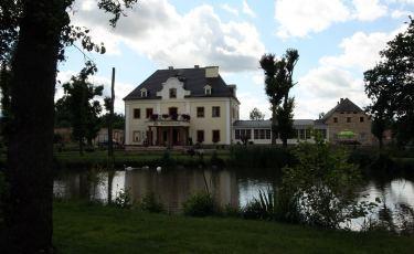 Pałac na wodzie w Staniszowie (Fot. krystian)