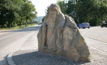 Radkowski pomnik Ducha Gór (Fot. krystian)