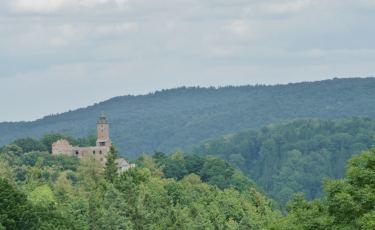 Widok na Górę Choina z zamkiem (Fot. krystian)