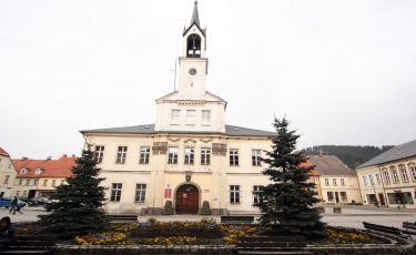 Rynek i Ratusz w Lubawce (Fot. aga)