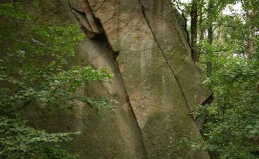 Skała Sfinks jest jedną ze ścian nieczynnego już kamieniołomu.
